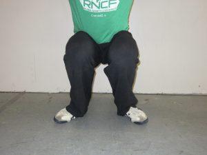 kneeing
